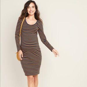 New Maternity Printed Scoop-Neck Bodycon Dress
